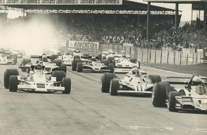 1975  Silverstone British Grand Prix Hunt  Regazzoni Reauteman  Michael Hewett original photograph