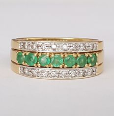 18 kt - Two combinable rings, with diamonds and emeralds - Size: 18.1 mm 17/57 (EU) - Weight: 8.1 g