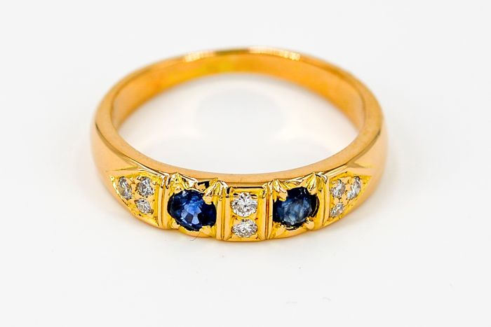 Ring - yellow gold 18kt - 0.11ct sapphire - diamonds - size 52
