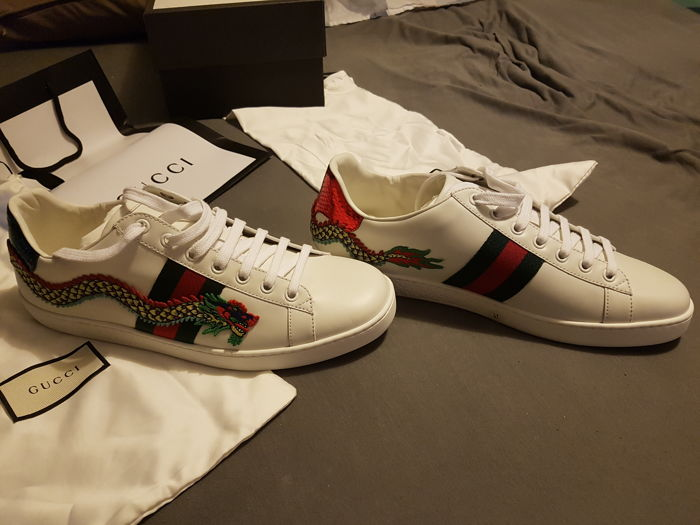 Gucci - Sneakers ace with dragon