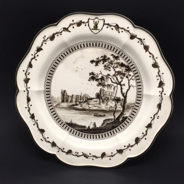 Re-edition of the historical 'Frog' set, produced by Wedgwood in 1771