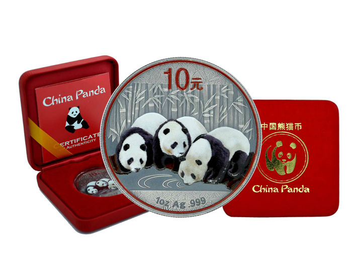 China - 10 Yuan, 2013, 'Panda', Antique Finish with Colour - Edition of 250 PCs. - 999 Silver