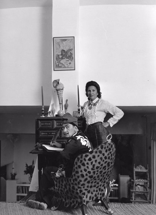 Unknown/Dufoto - Salvador Dali and his wife Gala, in Port Lligat