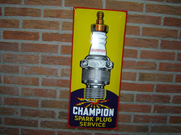 very beautiful and intact convex enamel champion spark plug sign catawiki. Black Bedroom Furniture Sets. Home Design Ideas