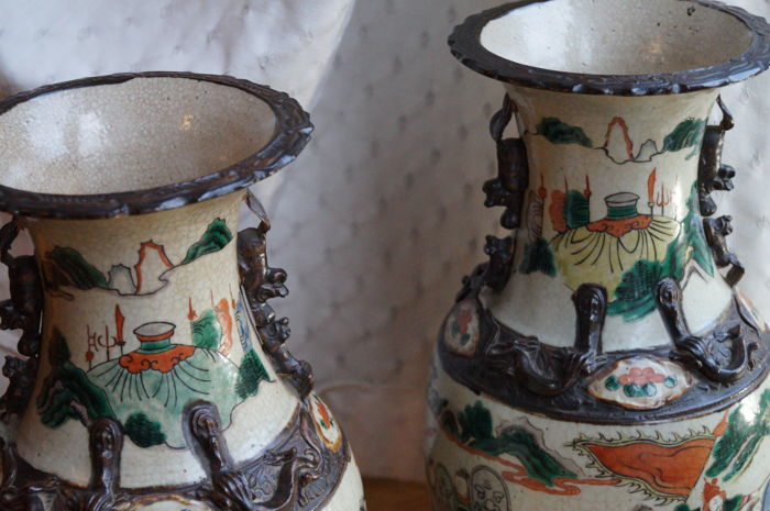 A Pair Of Antique Chinese Vases Approx 44 Cm China C 1900