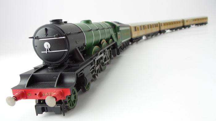 Hornby 00 - R1072 - Passenger carriage, Steam locomotive with tender - Class A1 4-6-2 - LNER