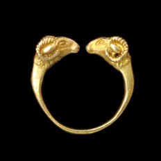 Greek Solid Gold Ring with Rams Heads, 1.9 cm inside D / Gold 13.4 grms