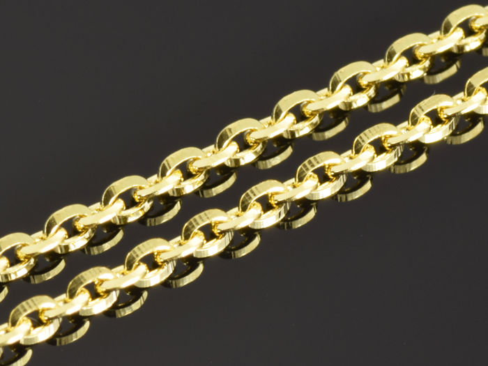 18K Gold. Solid Chain *Anchor Oval, Diamond cut*  ·  Length 50 cm · Weight 3.71 g.