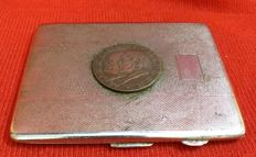 German cigarette case made of Sheffield silver, with engravings and photos of that time - Germany - 1930/1940
