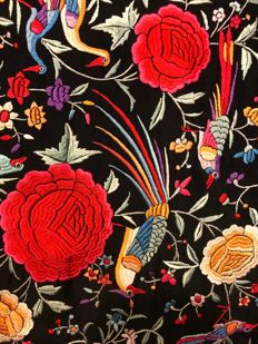 Manila shawl in black silk, hand-embroidered with floral motifs -roses and birds - China/ Philippines - c. 1900