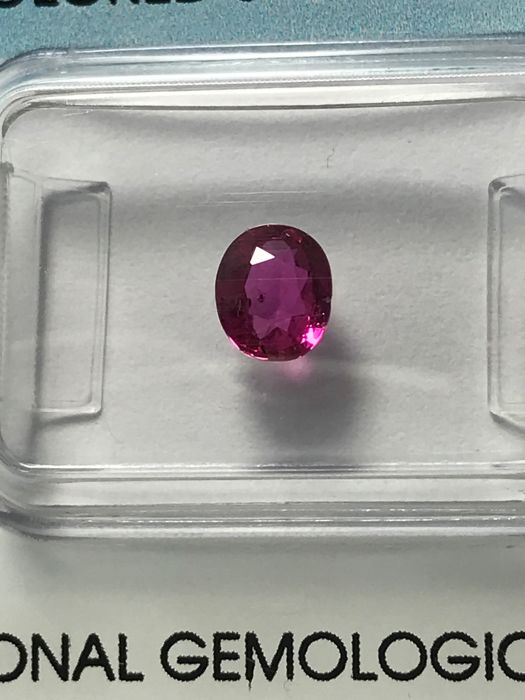 Pink Sapphire - 0.74 ct