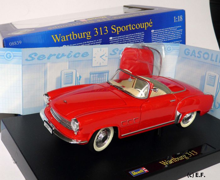 revell scale 1 18 wartburg 313 convertible red. Black Bedroom Furniture Sets. Home Design Ideas