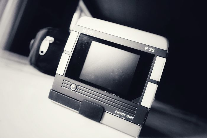 Phase One P25 H101 digital back for Hasselblad H system