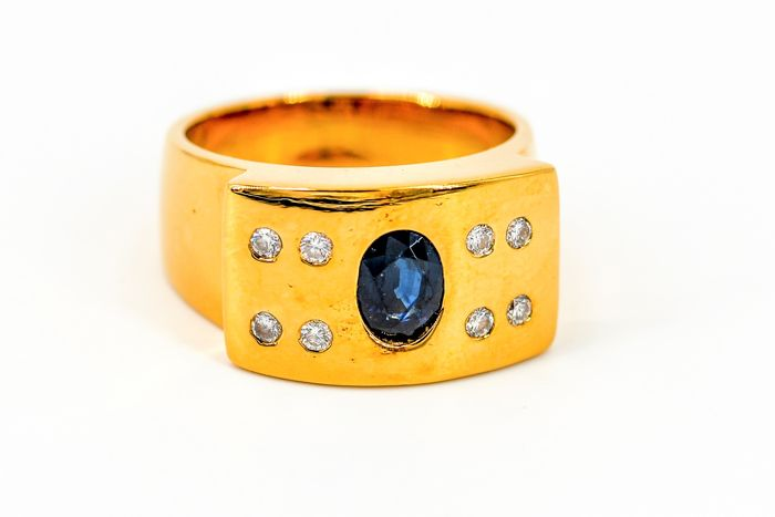 Ring - 18 kt gold - Sapphire of 1 ct - Diamonds of 0.12 ct - Size 60