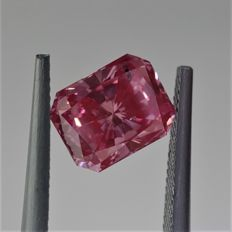 Astounding 1.24ct Radiant Cut Diamond Fancy Vivid Pink SI2