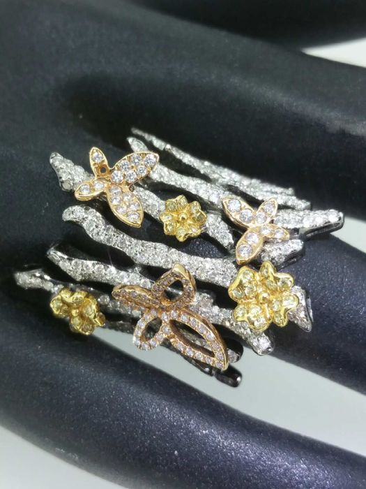 Butterfly ring, yellow and white diamonds