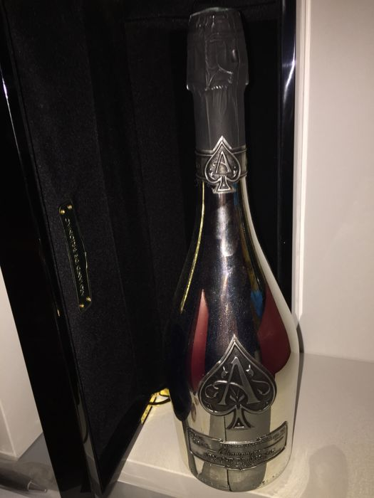 Armand de Brignac Ace of Spades blanc de blancs , Champagne - 1 bottle  (75cl) with the original collectors case - Catawiki
