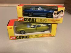 Corgi Toys - Scale unknown - no. 284 Citroen SM and 393 Mercedes-benz 350SL