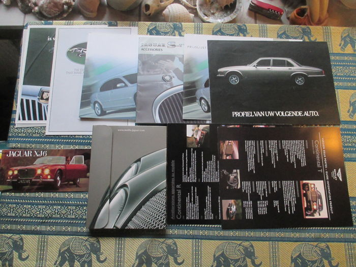 Car brochures (Jaguar, 1979-2004, 10x)