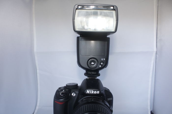 Nikon D3100 plus external flash Nissin - Catawiki