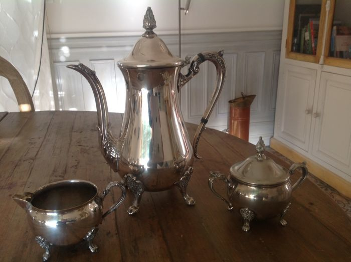 "Silver plated 3-piece tea service, ""Vineas"" mid-20th century"