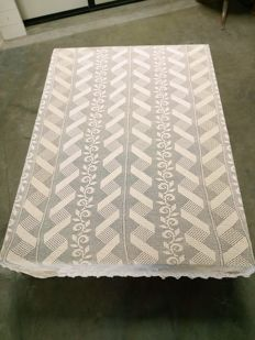 Fine tablecloth - crochet bedspread - Italy 1950