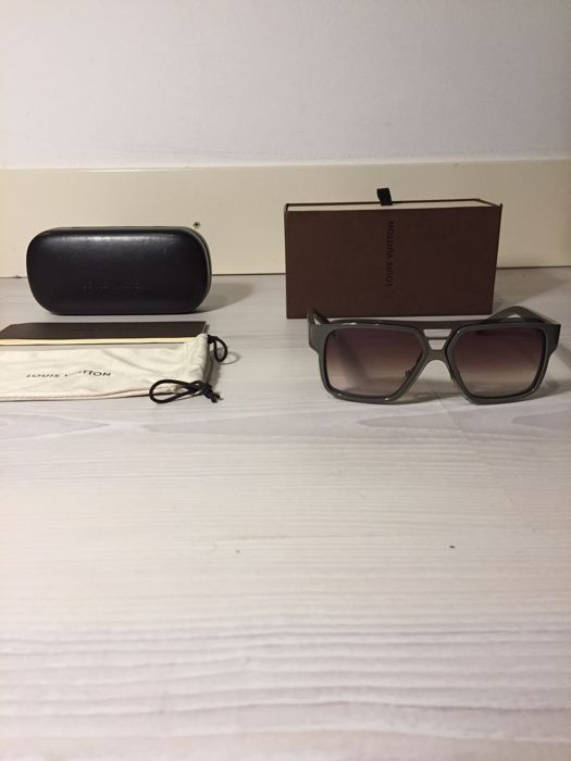 429f2d33e36 Louis Vuitton Sunglasses - Enigme GM - Catawiki
