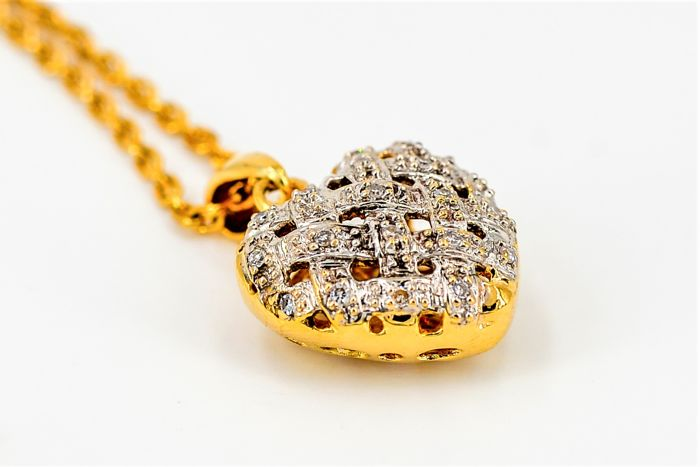 Chain and pendant - 18 kt gold - 0.10 ct diamonds - dimensions: 1.5 cm x 1.5 cm