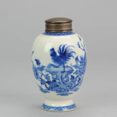 Blue and white rooster softpaste Tea caddy  - China  - 18th century