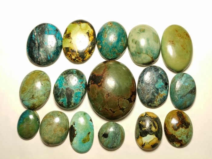 Tibet turquoise cabochons - 329 cts