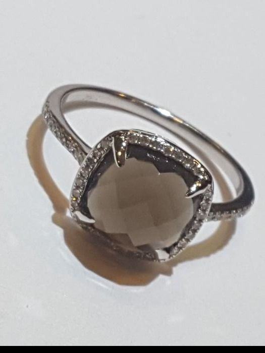 Ring in 14 kt white gold, quartz and diamonds, 0.30 ct - size 14/15