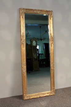 Beautiful very large crystal mirror in a wooden decorated golden frame - 132 x 52 cm