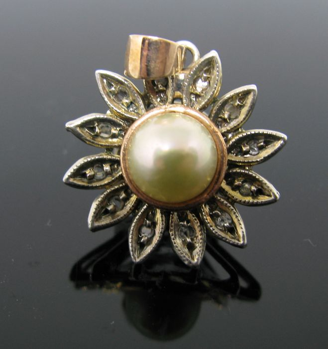 5558f1916c3b0 Antique 1940 rose gold 585 pendant and silver 800 set with 1 Akoya  white-cream pearl Ø 7.75 mm diameter and 12 diamonds antique-cut 0.12 ct  M/SI3. - ...