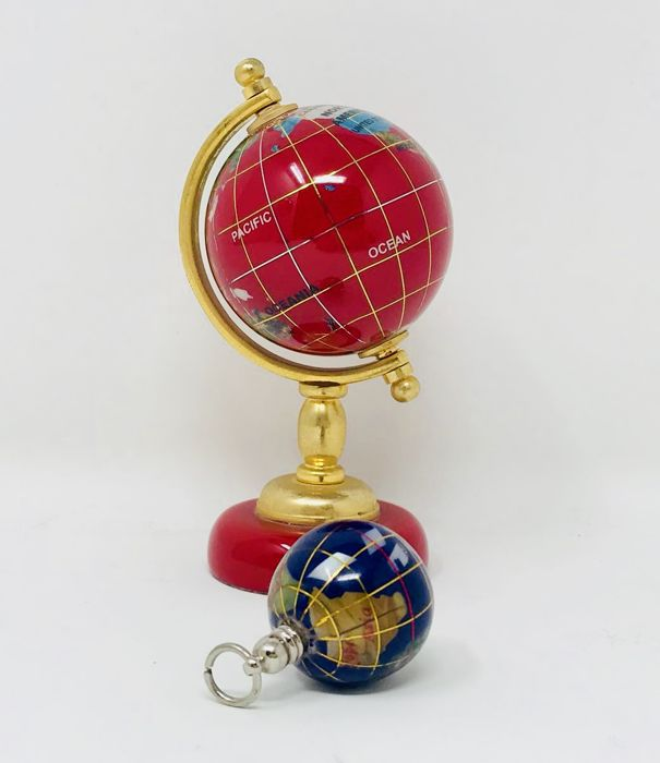 World map globe and hanger, 24k gold plated mineral - end of 20th century