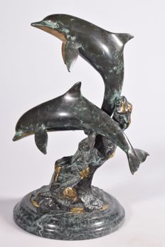 Bronze dolphins on a marble pedestal - 5.1 kg