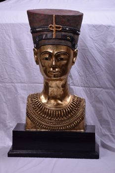 Bust of the Egyptian Queen Nefertiti 21 kg - 80 cm