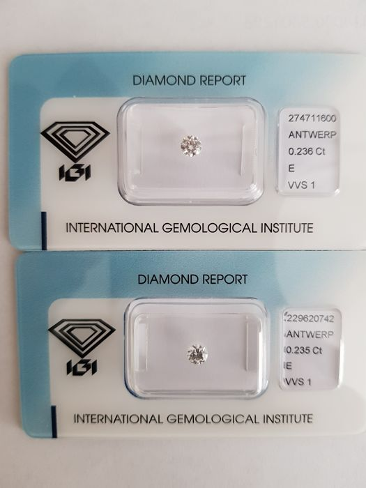 A pair of brilliant cut diamonds, 0.46 ct in total, E VVS1