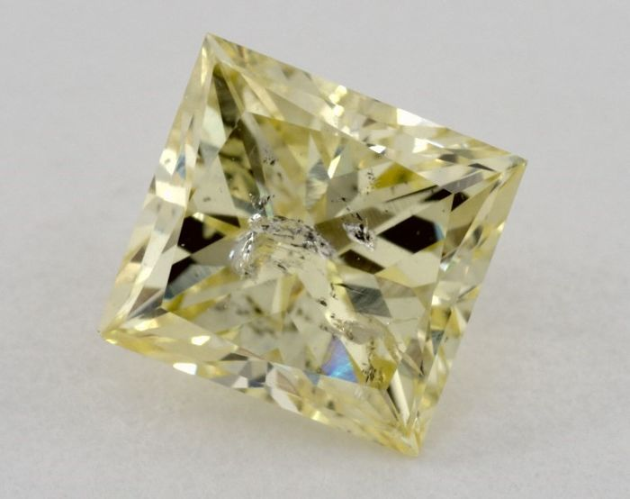 0.85ct  GIA Fancy Intense Yellow with VIDEO
