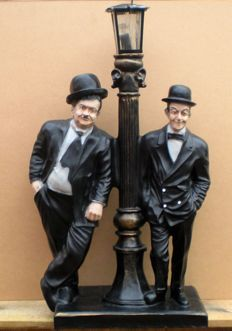 Large figure/image of Laurel & Hardy with a lantern - resin- approx. 83 cm in height.
