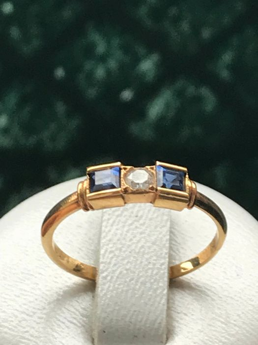 18 kt yellow gold ring set with 2 sapphires and diamond - size 52/16.35 mm