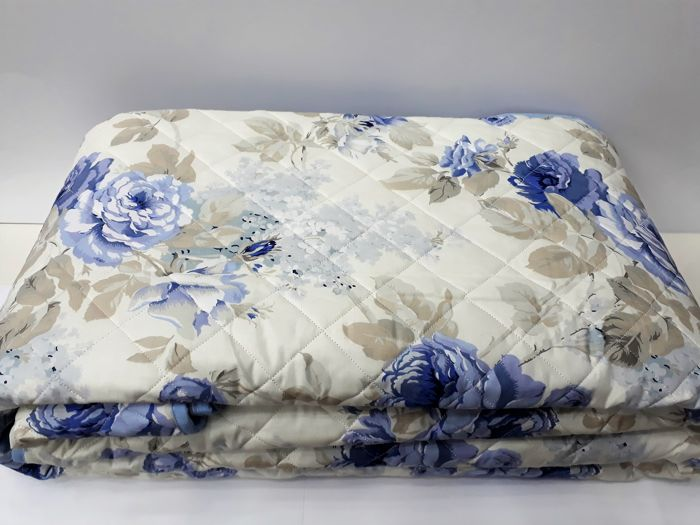 Italy 1980, Vintage new quilted double bedspread, 100% Percale Cotton