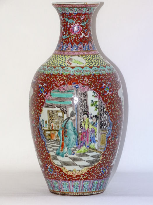 A famillle rose vase 36 cm - China - 2nd half 20th century