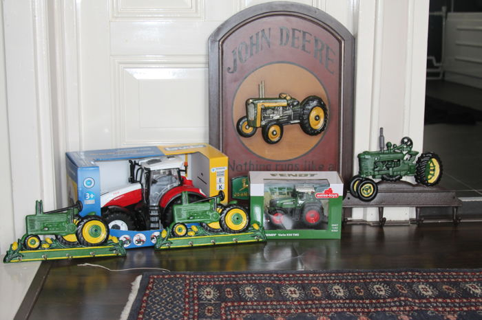Collection of tractor collector's items - original John Deere and various other brands of miniatures - lot of 6 items