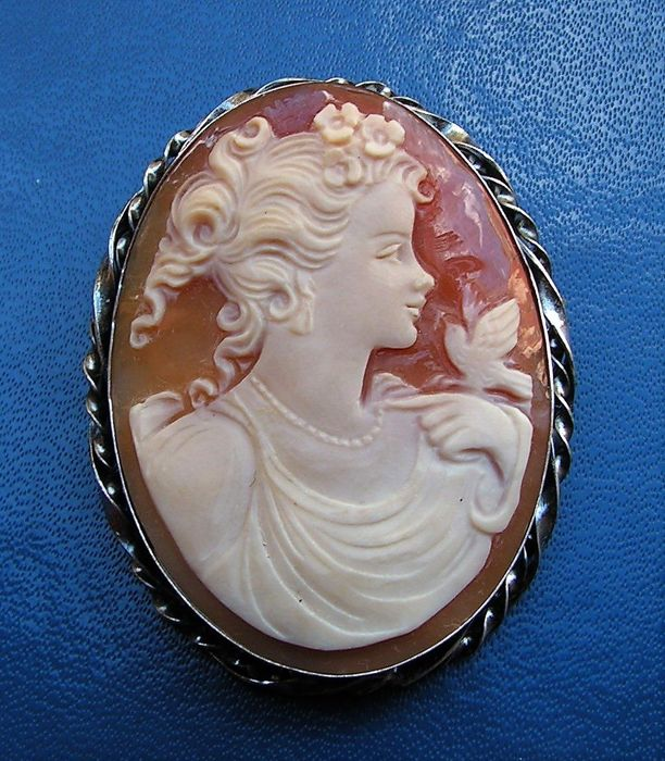 Large Silver Pendant/Brooch - Beautiful profile of a young lady with a bird on genuine Cameo.