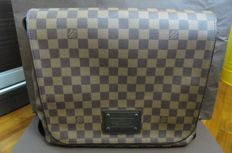 Louis Vuitton -  Brooklyn Bag messenger MM