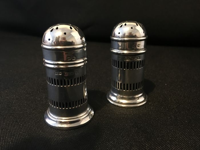 Pair of silver pepper/salter shakers, Birmingham 1921, Docker & Burn Ltd