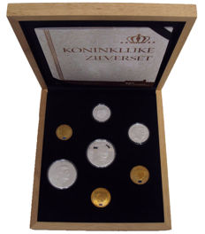 "The Netherlands and Overseas – Prestige set 2013 ""Koninklijke zilverset"" (Royal Silver set)"