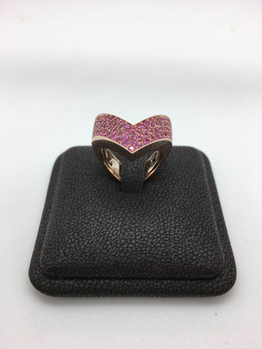 18 kt rose gold ring with pink sapphires