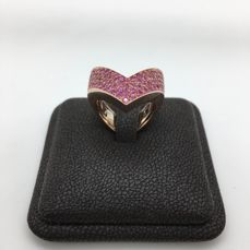 18 kt gold ring with pink sapphires