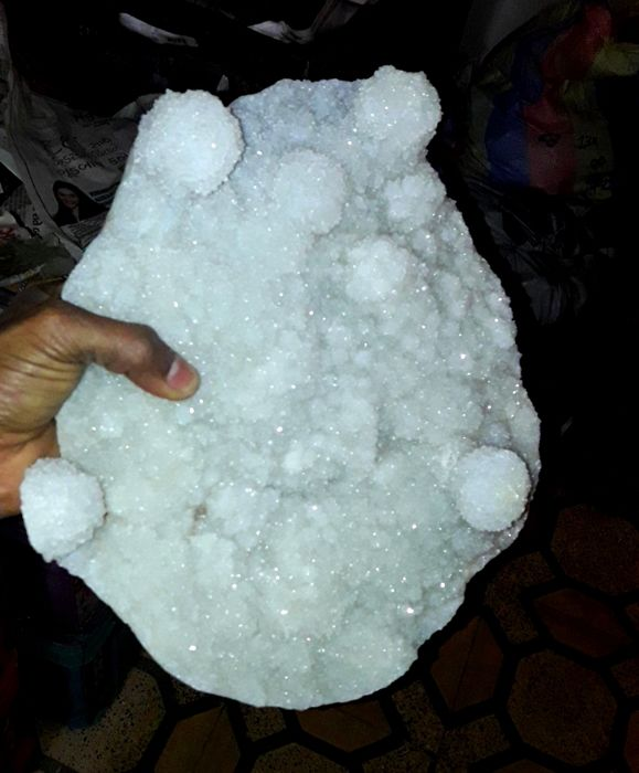 Large Natural Chalcedony Mineral Specimen - 30x25x7cm - 3380gm